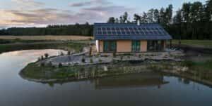 Instalacja fotowoltaiczna 9,9 kWp Trutnowo widok od strony tarasu
