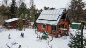 Instalacja fotowoltaiczna 5.1 kWp śnieg widok z boku